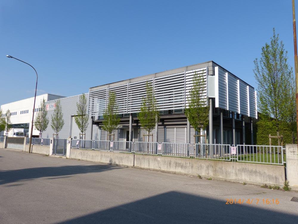 Costruzioni industriali costruzioni supermercati e for Progetti moderni
